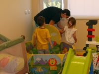 """МБАЛ """"Свети Панталеймон"""" – Плевен отвори дневна занималня за децата на своите служители"""