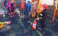 """Децата на ДГ """"Теменуга"""" се включиха в тренировъчни действия в случай на пожар"""