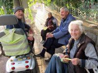 Възрастните хора виждат със сърцето си, убедени са в село Малчика